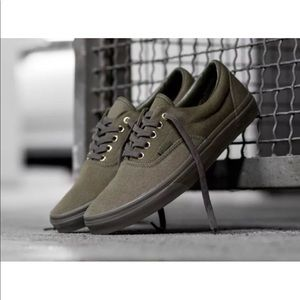 VANS SHOES ERA GOLD MONO SIZE 10